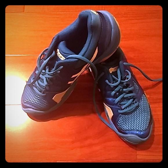 Contend 2 GS Running Shoe  Size 6 M Big Kid ASICS C405N Kid/'s GEL